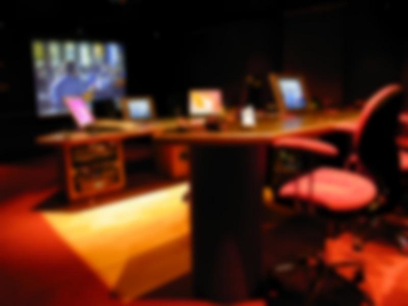 01-Studio-A_Screen_Blur50_800